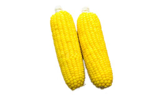 Boiled corn on a plate.