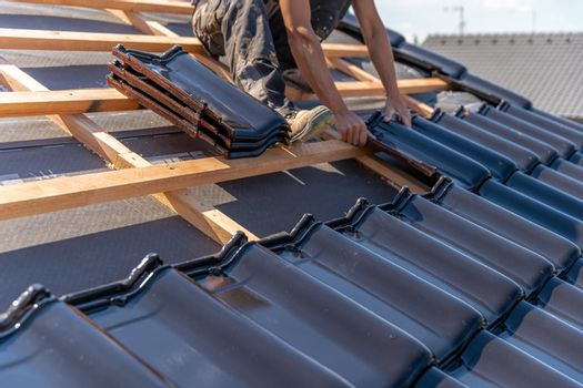 manufacture of the roof of a family house from ceramic tiles