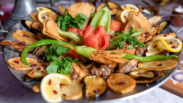 Sac ichi meat and vegetable meal, Azerbaijani food