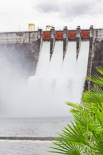 The dam Khun Dan Prakarn Chon is a dam with hydroelectric power plant and irrigation and flood protection in the district, Thailand