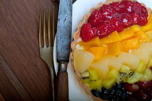 fresh fruits cake pie