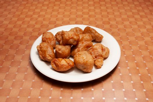 Traditional Chinese dish known as sweet and sour chicken