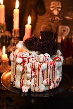 Creepy cake on Halloween