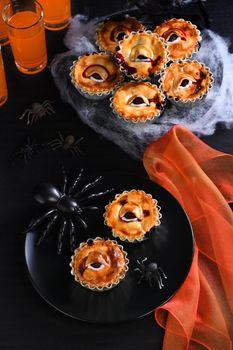 Halloween Creepy Eye Cakes