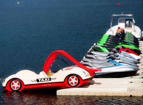 Recreational boat rentals