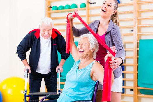 Seniors in physical rehabilitation therapy