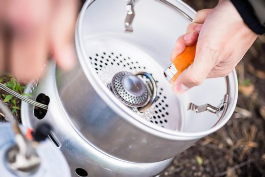 Igniting of outdoor gas cooker