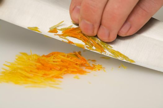 Cutting orange peel