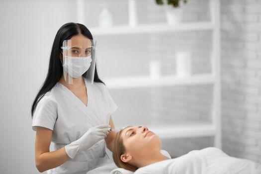 Procedure for improvements face skin in beauty salon.