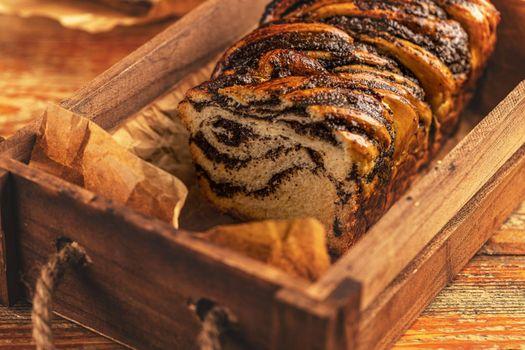 Poppy seeds swirl bread