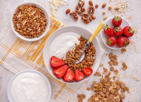 Crunchy granola or muesl