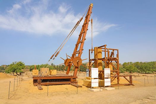 Method of construction of Greek temples with wooden crane in the Valley of the temples in Agrigento, Sicily