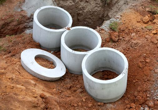 Concrete rings for an individual drainage tank