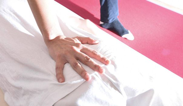 shiatsu back massage as treatment for back and low back pain