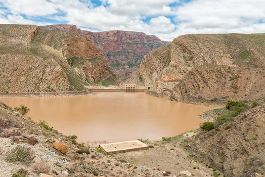 View of the Gamkapoort Dam in the Swartberg mountains